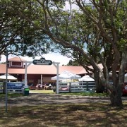 MidWeekMarketPukalaniStables-overview-entrance